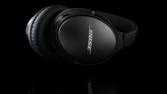 Bose QuietComfort 25 vs 35 Review - Outeraudio